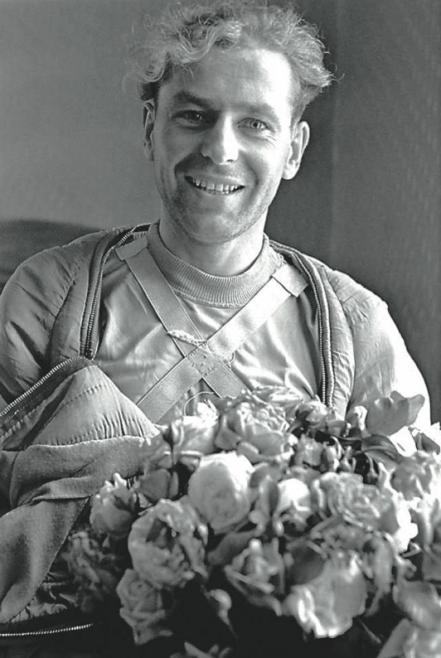 С 6 по 7 августа 1961 года Герман Титов совершил космический полет продолжительностью 1 сутки 1 час, сделав 17 оборотов вокруг Земли, пролетев более 700 тысяч километров.