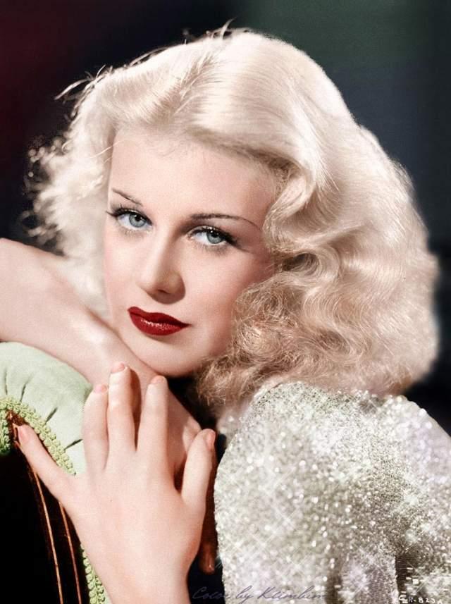 """Джинджер Роджерс, 1911-1995. Она прославилась благодаря совместным выступлениям в паре с Фредом Астером. Занимает 14 место в списке """"100 величайших звёзд кино""""."""