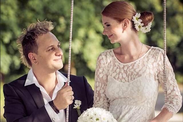 Летом 2013 года Лена Катина вышла замуж за словенского рок-музыканта Сашо Кузмановича, уже через 2 года после свадьбы супруги стали родителями. Первенца назвали Александром. На данный момент семья постоянно проживает в Лос-Анжелесе.