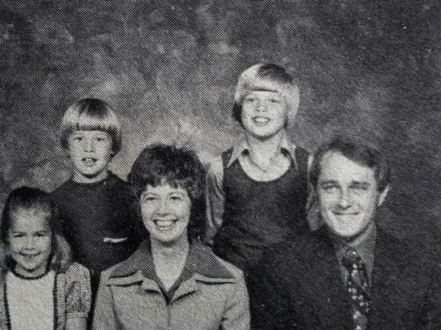 Брэд Питт с семьей.