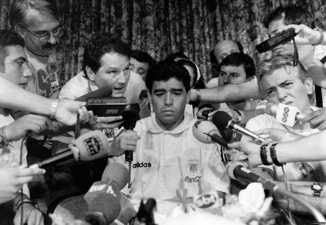 После дисквалификации Марадона сумел добиться поездки со сборной на ЧМ-1994, но и там его допинг-проба показала наличие в крови запрещенных веществ. За этим последовала очередная дисквалификация на 15 месяцев.