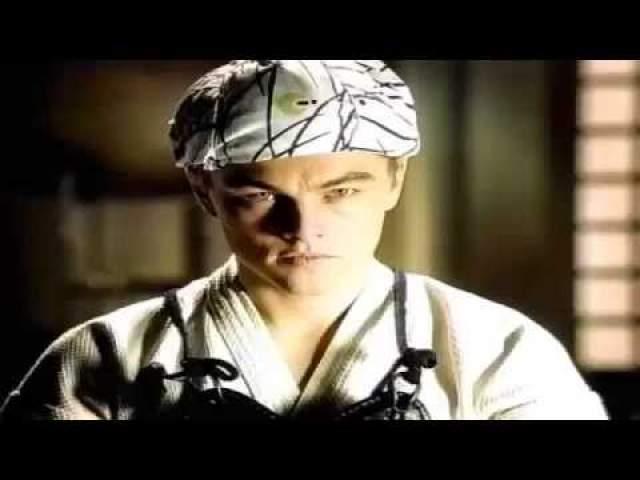 Леонардо Ди Каприо несколько раз появлялся в японской рекламе. Так, он снялся в целой серии рекламных роликов, посвященных кредитным картам банка Orico.