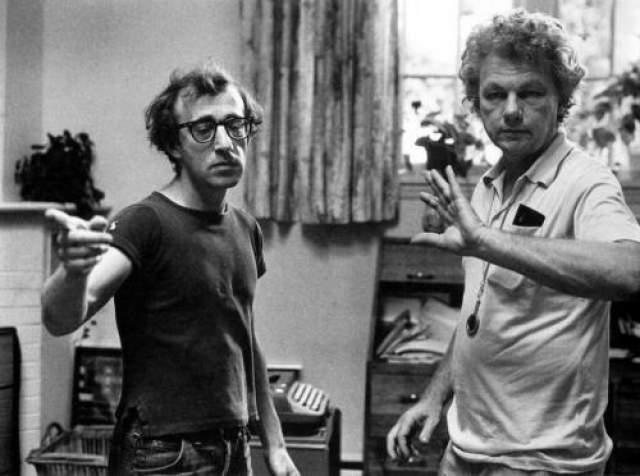 Вуди Аллен и оператор Гордон Уиллис за работой.