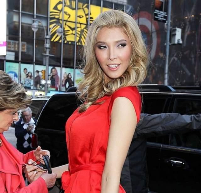 """В 2012-м Дженна подала заявку уже на """"Мисс Вселенная"""", где хотела представлять Канаду. Однако организаторы снова заявили ей, что, согласно правилам, за титул красоты могут бороться только стопроцентные женщины."""