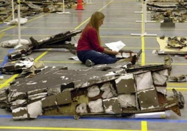 """После катастрофы """"Челленджера"""" все запуски челноков были приостановлены до оглашения результатов президентской комиссии."""