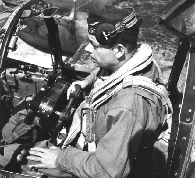 Видимо, немец его убил или тяжело ранил, Сент-Экзюпери потерял управление самолетом и не смог выпрыгнуть с парашютом. Самолет вошел в воду на большой скорости и практически вертикально. В момент столкновения с водой произошел взрыв. Самолет был совершенно разрушен, а его фрагменты рассеяны на огромном пространстве под водой.