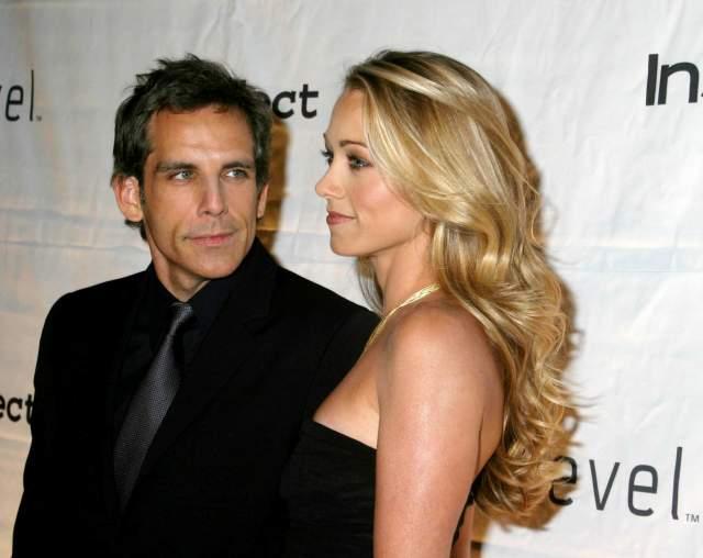 """Причем до развода Кристин нельзя было назвать звездой первой величины, а развод с именитым супругом, по мнению окружения, негативно скажется на ее карьере. Из последних работ - сериал """"Ненасытная"""" компании Netflix, с не очень высокой оценкой критиков."""