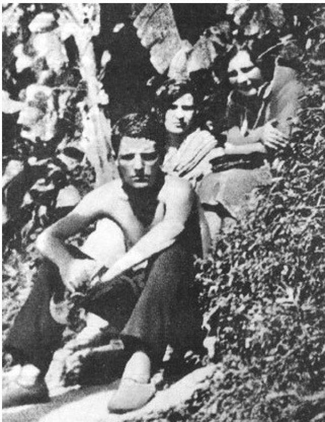 Был выслан в 1932 году в Курск, затем жил в Вологде, в Борисоглебске. В 1936 поэту было позволено вернуться в Ленинград.
