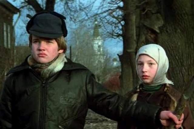 """Но звезда юного актера погасла столь же быстро, как и вспыхнула после его появления в резонансном фильме о детской жестокости """"Чучело""""."""