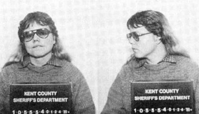Тогда Грэм переехала в Техас, сменив работу, и пара рассталась. Вуд сломалась и сдалась в полицию. В итоге лесбиянки начали давать показания друг против друга. На суде Грэм получила пожизненное, а Вуд- 20 лет тюрьмы.