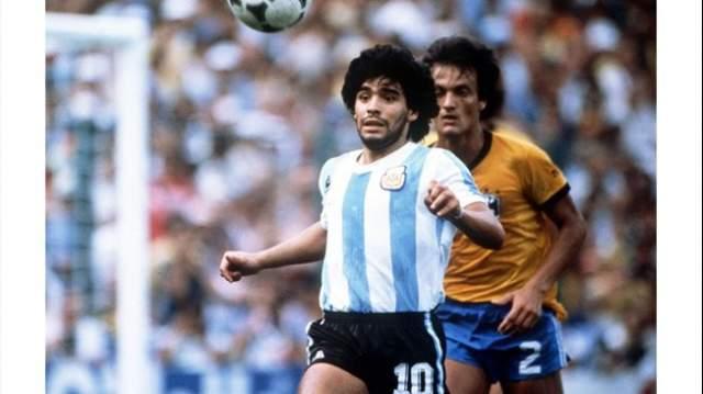Диего Марадона. На Кубок мира по футболу ФИФА в Аргентине в 1978 году не попали Англия, СССР, Югославия, Чехословакия и Уругвай. Дело не в политике, а в том, что команды не прошли отборочный барьер.