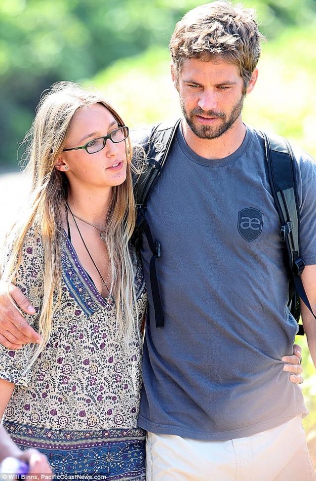 Пол Уокер. Актер начал встречаться со своей подругой Джасмин Пилчард-Госнелл, когда ей было 16, а ему - 33.