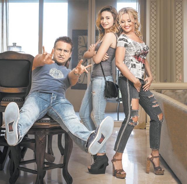 Леонид Агутин и Анжелика Варум поселились в русскоязычном районе Майами. Артисты решили прикупить жилье за границей, после рождения дочки Лизы, тем более арендовать особняк накладнее, чем жить в собственном доме.