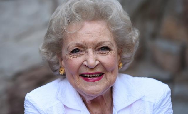 """94-летняя актриса продолжает исполнять одну из главных ролей в ситкоме """"Красотки в Кливленде"""", параллельно успевая появляться и в других проектах."""
