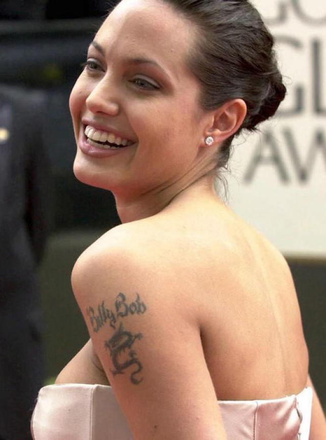 """Анджелина Джоли: """"Не знаю, было ли в моей жизни ключевое событие, которое меня изменило, но первый секс у меня был в 14 лет"""""""