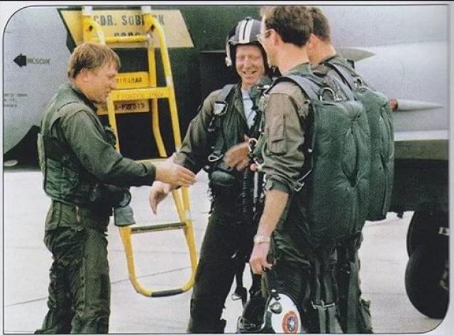 Разрешение на предоставление гражданства США пилоту подписал лично президент Джимми Картер. В Америке Беленко работал инженером по аэрокосмической технике и консультировал ВВС США.