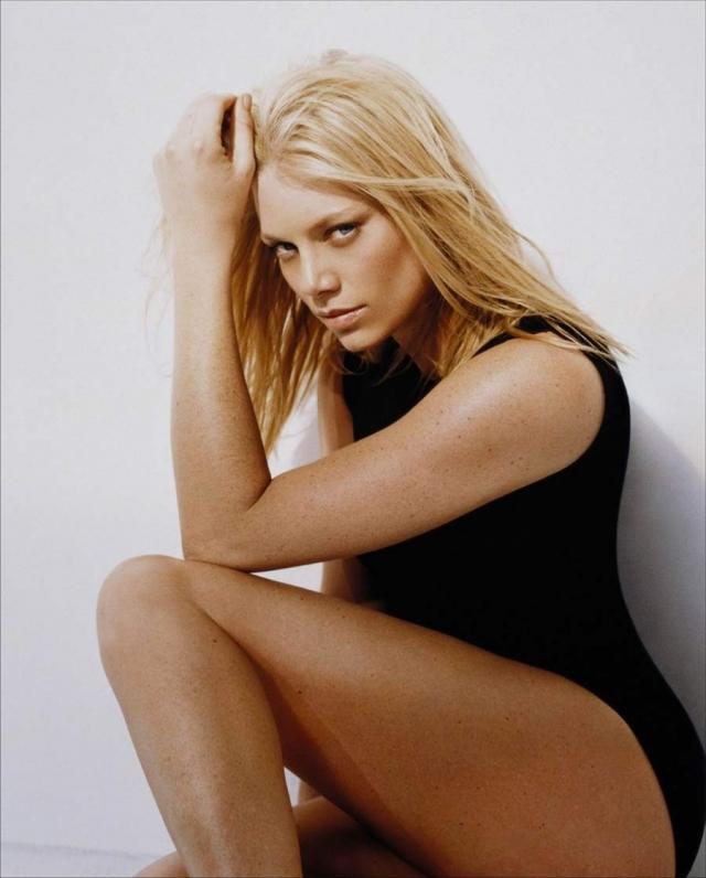 """""""Ее звали Никита"""". Главную роль в сериале о шпионке сыграла австралийская актриса и модель Пита Уилсон."""