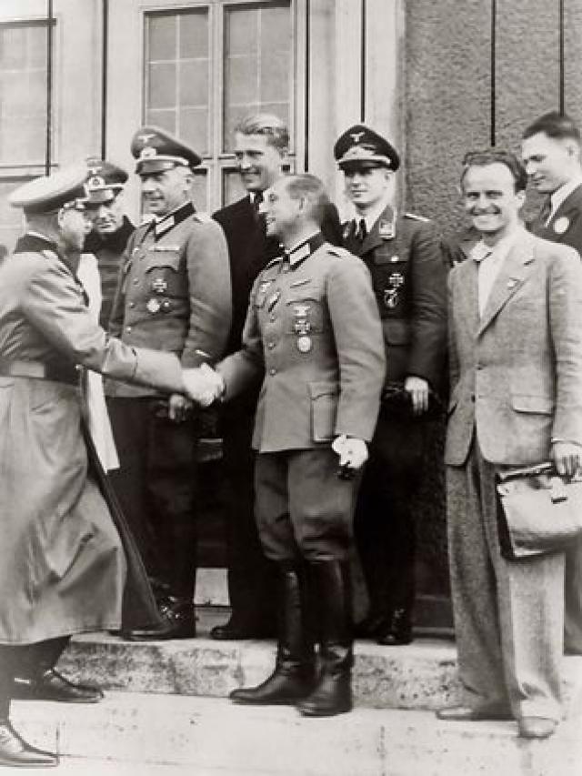 Майор Роберт Б. Стейвер , шеф секции реактивного оружия отдела исследований и разведки Артиллерийского корпуса Армии США, использовал список Озенберга для составления своего списка германских ученых, которые должны были быть задержаны и допрошены.