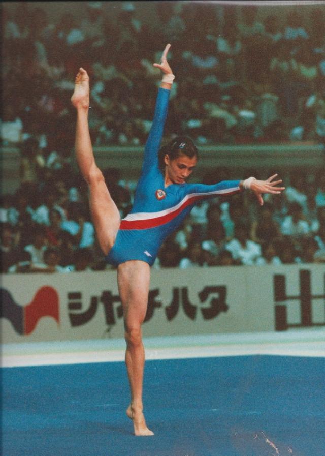 Наталья Юрченко стала абсолютной чемпионкой мира 1983 года, а травма, полученная при подготовке к несостоявшейся для нее Олимпиаде, не позволила капитану гимнастической сборной продолжить свою карьеру.