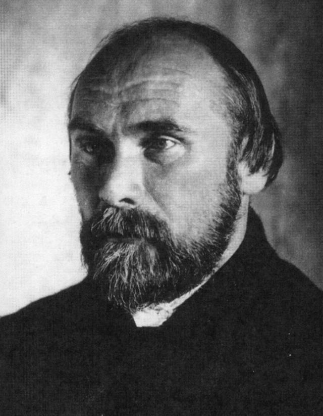 Также он пылал страстью по отношению к юному художнику Анатолию Кравченко, которому писал полные страсти стихи и отправил свыше 40 любовных писем.