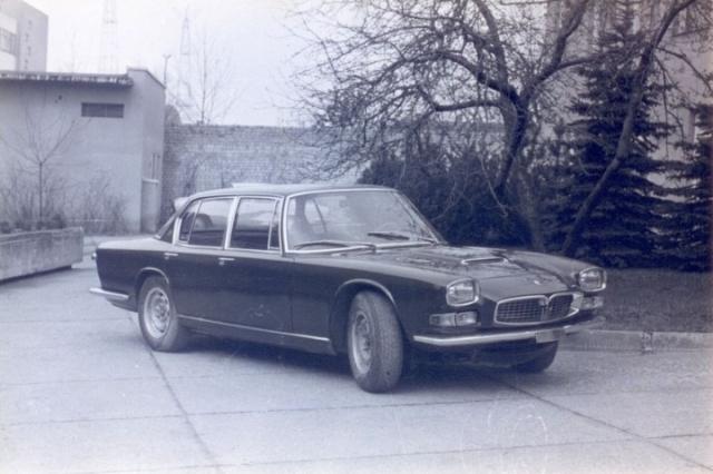 В богатой коллекции авто Брежнева одной из его любимцев был Maserati Quattroporte: в 1968 году это был один из самых мощных и дорогих четырехдверных седанов, который он получил в подарок от руководства итальянской партии.