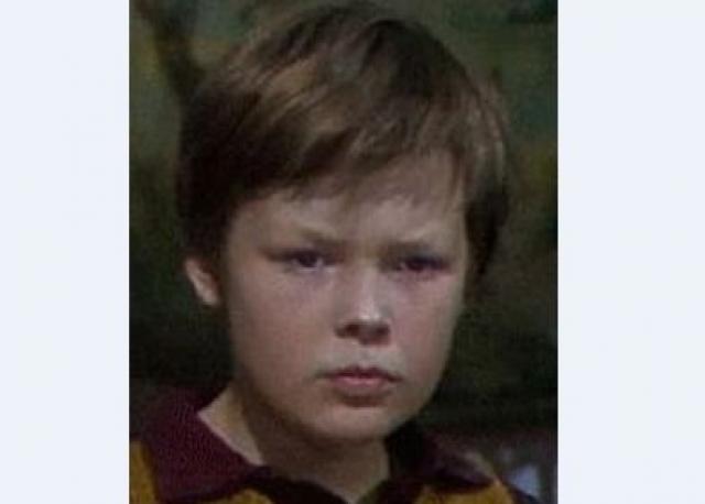 Таким вот задумчивым пареньком был в детстве сегодняшний именинник, Александр Стриженов .