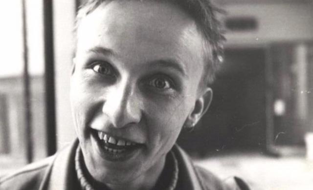 Иван Охлобыстин. После окончания школы поступил во ВГИК на режиссерский факультет. Учился на одном курсе со многими будущими деятелями российского кинематографа.