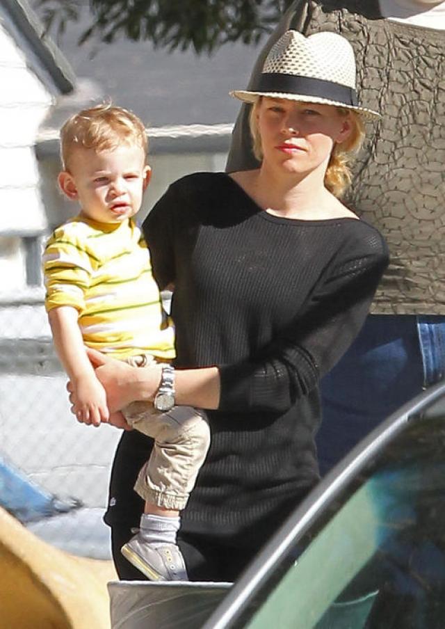 Коллега актрисы Сара Джессика Паркер посоветовала Бэнкс с мужем обратились в Центр суррогатного материнства.