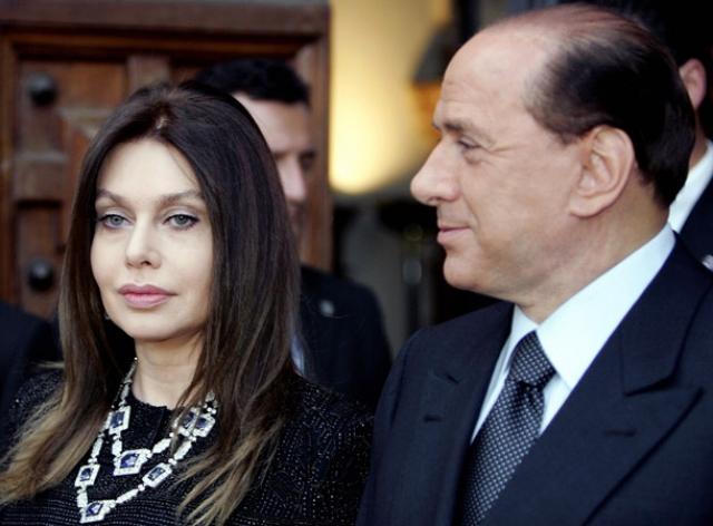 После недавнего развода со второй женой, 58-летней актрисой Вероникой Ларио, с которой Берлускони прожил более 20 лет, состояние миллиардера существенно уменьшится: роман с 28-летней моделью Франческой Паскали обойдется политику слишком дорого – как минимум, в три миллиона евро в месяц.