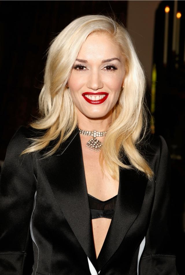 Сейчас Гвен - стильная блондинка с безупречным макияжем.
