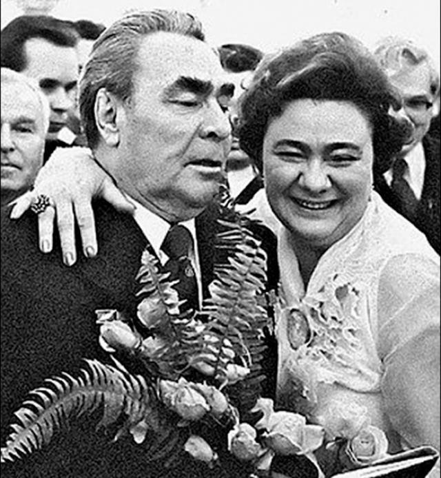 """Точно никто не скажет, когда Брежнева начала пить. Но именно при Чурбанове ее алкоголизм стал """"клиническим""""."""