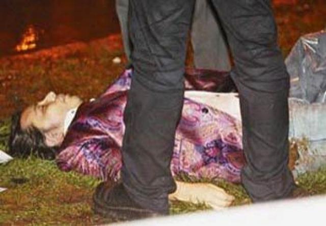 Официальной версией происшедшего стало самоубийство в состоянии депрессии. Такой вывод подтвердила и дочь Мурата, которая была свидетелем.