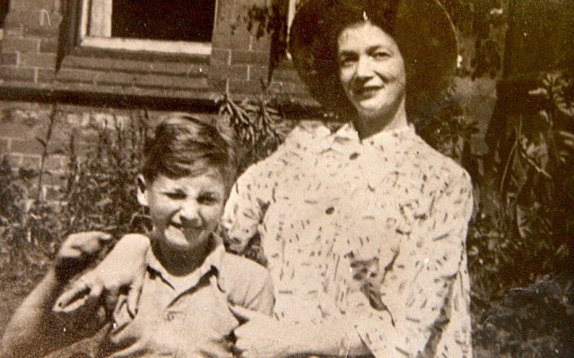 Возможно, этот поступок был вызван излишним давлением, которое оказывали на мать Леннона ее родственники, обвиняя в греховном сожительстве с мужчинам и порочном влиянии таких связей на ребенка.