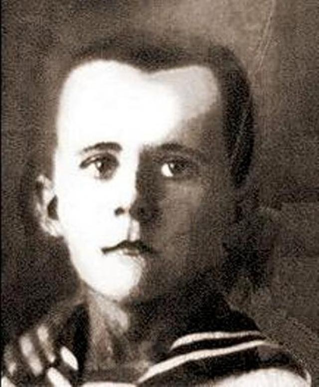 Марат Казей. 14-летний участник партизанского отряда имени 25-летия Октября, разведчик штаба 200-й партизанской бригады имени Рокоссовского на оккупированной территории Белорусской ССР.
