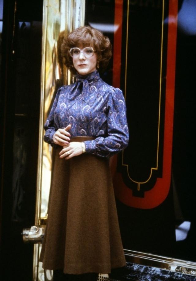 """""""Мне очень понравилось носить лифчик, плюс гардероб моей героини был подобран весьма удачно"""" , – признался в последствии актер."""