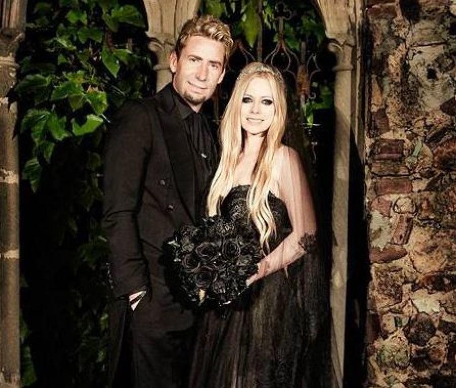f8ee4d6e458c434 Самые необычные и шокирующие свадебные наряды звезд | Шоу-бизнес на ...