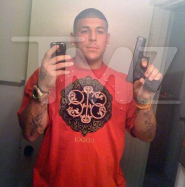 В суде было доказано незаконное хранение Эрнандесом огнестрельного оружия.