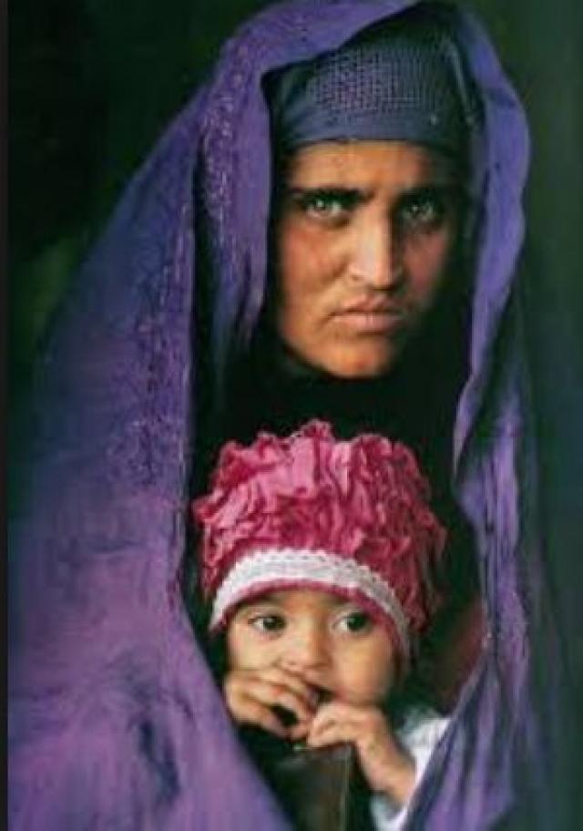 Сейчас у Гулы три дочери: Робина, Захида и Алия, четвертая дочь умерла вскоре после рождения.