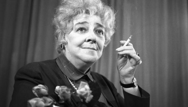 За свою жизнь Раневская сменила множество театров и всегда по различным причинам: некоторые артисты жаловались на ее своеволие и невыносимый характер, другие - обожали и искренне восхищались.
