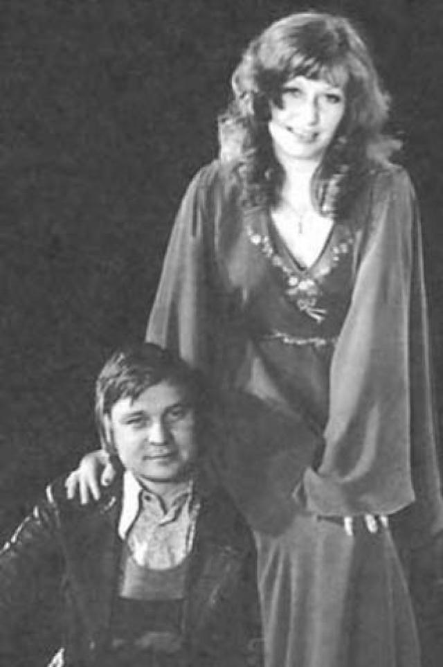 Спустя некоторое время Пугачева вышла за него замуж — это был ее второй брак. С ним певица прожила три года.