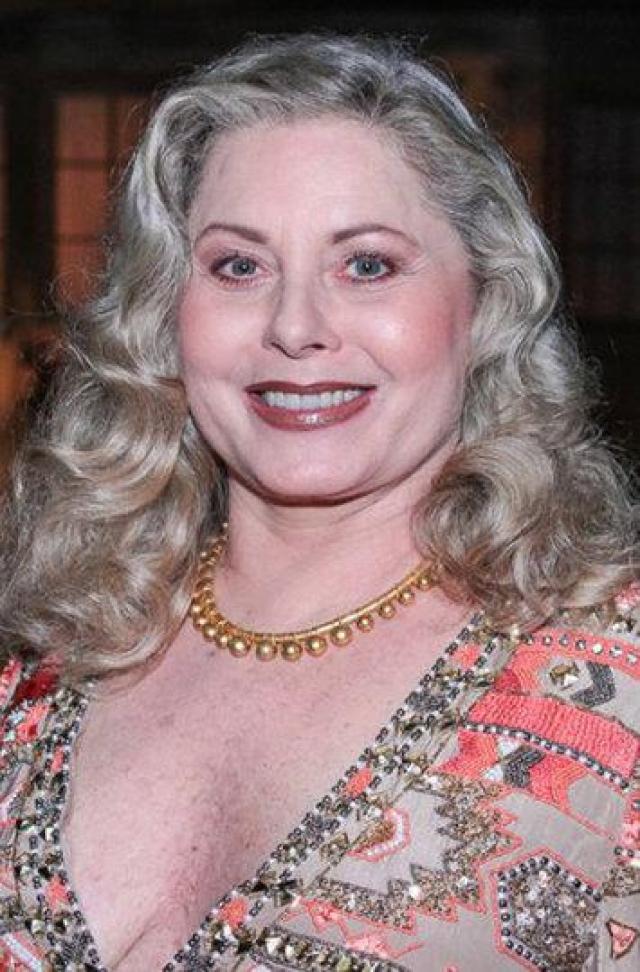 В 1997 году актриса признается в своей наркозависимости, отправляется на лечение, у нее забирают опеку над сыном, и работа в сериалах прекращается на несколько лет. Полностью избавиться от наркотиков актрисе удалось спустя три года лечения, в 2000 Фишер объявляет о своем возвращении на ТВ.
