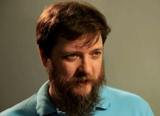 1995 году в Институте всеобщей истории РАН защитил диссертацию на соискание ученой степени кандидата исторических наук.
