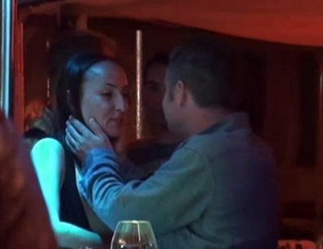 """Однако, в Интернете появилось видео, где видно, как Агутин обнимает и целует неизвестную брюнетку на вечеринке фестиваля """"Новая волна"""" в Юрмале."""