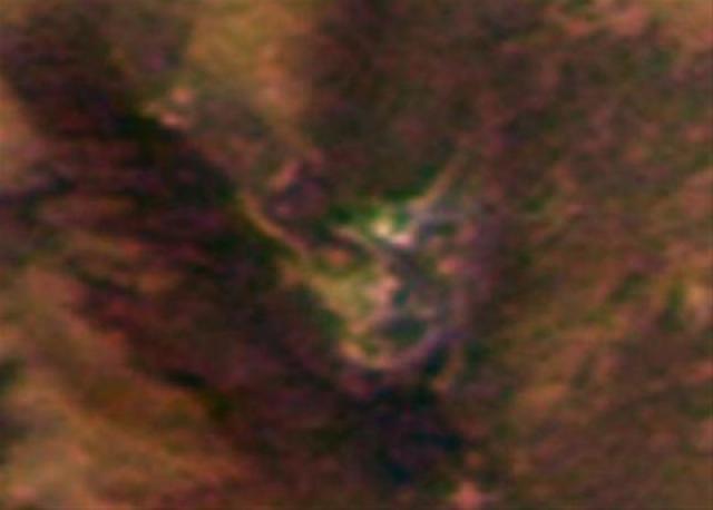 """Первым лик """"дьявола"""" среди изображений, полученных при помощи марсианского зонда ESA's Mars Express, увидел руководитель группы Джозеф Скиппер."""