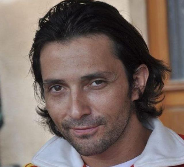 """Сейчас Себастьян успешен не только как музыкант, но и как телеведущий. Также он снимается в сериалах на французском телевидении и играет в парижском театре """"D' Edgar""""."""