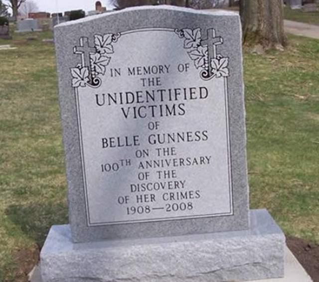 В пожаре, как заключила полиция, погибла и сама Белль Соренсен. Во всем обвинили Рэя Ламфера, но тот утверждал, что Белль все подстроила, а также признался, что помогал ей прятать трупы ухажеров.