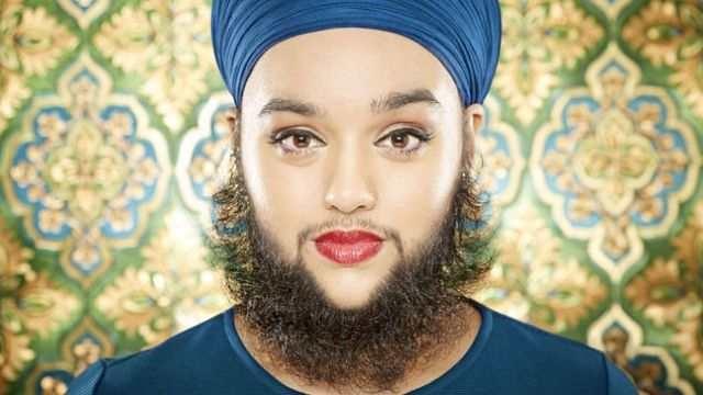 24-летняя Харнаам Каур стала самой молодой женщиной с бородой, чья длина достигает 15 см. Женщина страдает от гормонального расстройства - поликстоза яичников.