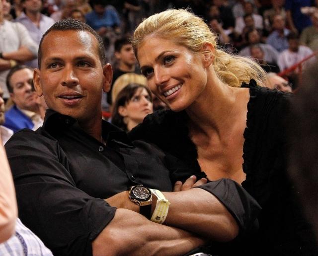 Бейсболист Алекс Родригез в феврале прервал отношения с Торри Вилсон, длившиеся три года. Позже в прессе заявляли о том, что экс-супруга Синтия все еще не безразлична Алексу.