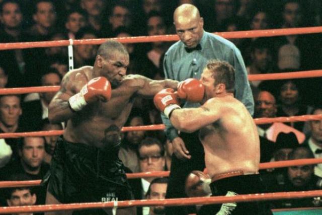 К сожалению, бой с Франсуа Ботой, состоявшийся в январе 1999 года, лишь подтвердил тот факт, что с психикой у Майка не все в порядке. Первый раунд закончился как раз в тот момент, когда Майк откровенно пытался сломать своему сопернику руку.