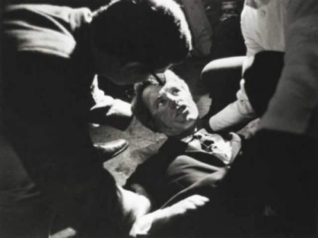 """Роберт Кеннеди Баллотировался на пост президента США уже после смерти старшего брата Джона Кеннеди. Застрелен на кухне отеля """"Амбассадор"""" (на снимке) после произнесения речи по поводу победы на предварительных выборах в штате Калифорния. Умер 6 июня 1968 года."""